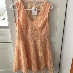 Apricot lace v-neck lace dress